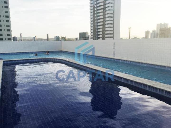 Apto mobiliado com piscina e 3 quartos, ar, wifi