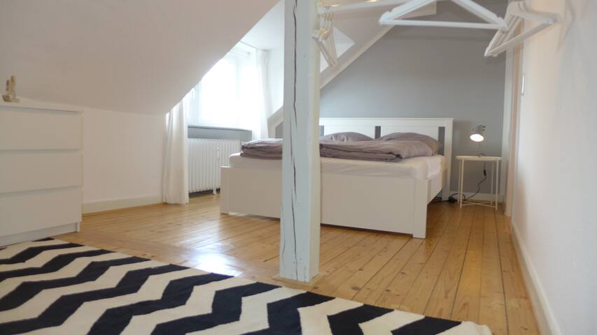 Doppelbett 1,60 m x 2,00 m