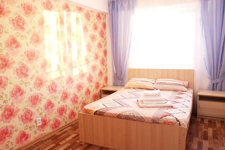 Квартира с кухней и спальней в Адлере - Sochi - Apartment