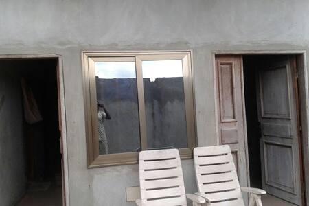 appartement meublé situè en bordure de lac