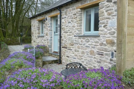 Couples Bolt-Hole The Shippen - Camelford - Rumah