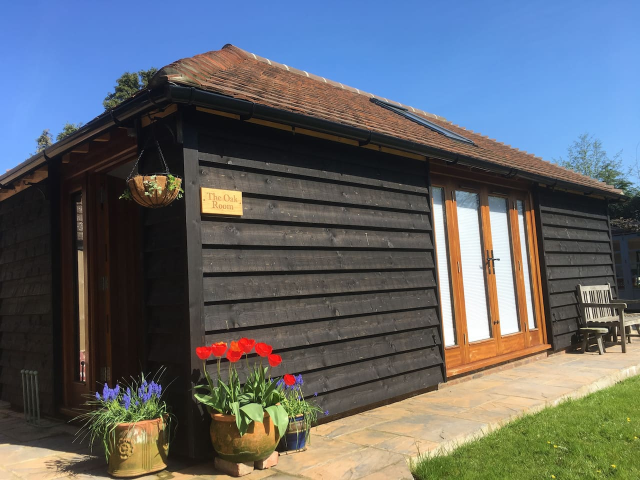 The Oak Room is a stylish garden studio built in 2017 set in the rural Sussex village of Hankham. A perfect  gateway to explore the nearby stunning South Downs National Park and discover our local history dating back to 1066.