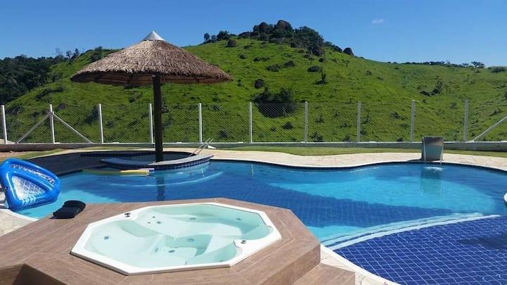 Alto Padrão c/piscina, bar molhado, spa e sauna
