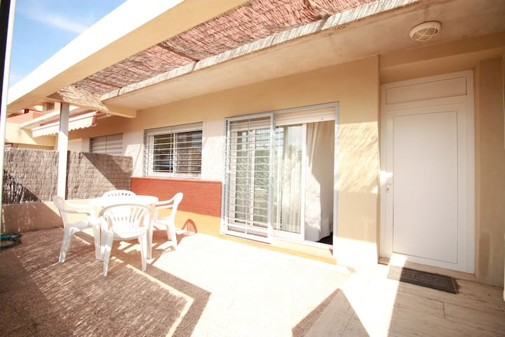 Airy two bedroom attached house second line in Cabo de Palos
