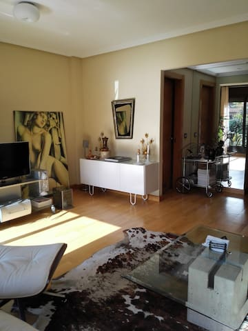 Casa amplia moderna y funcional. - Gijón - House