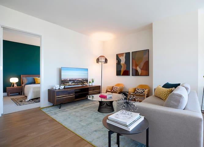 Global Luxury Suites - 252
