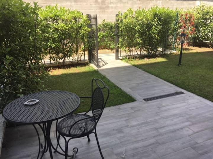 Bilocale con giardino vicino Milano (App. 4)