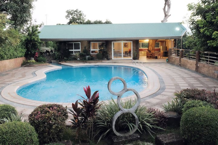Acop Home & Pool in Antipolo City - Antipolo - Haus