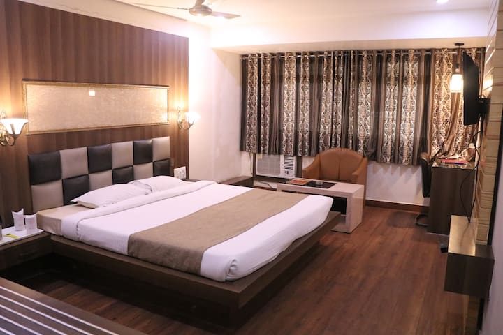 15% off for 1st guest pvt stay near the Raipur