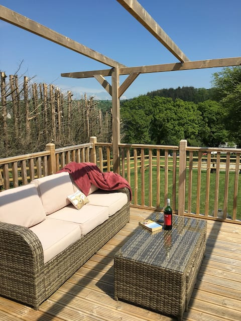 Unique Private Lodge in Cornwall sleeps 4