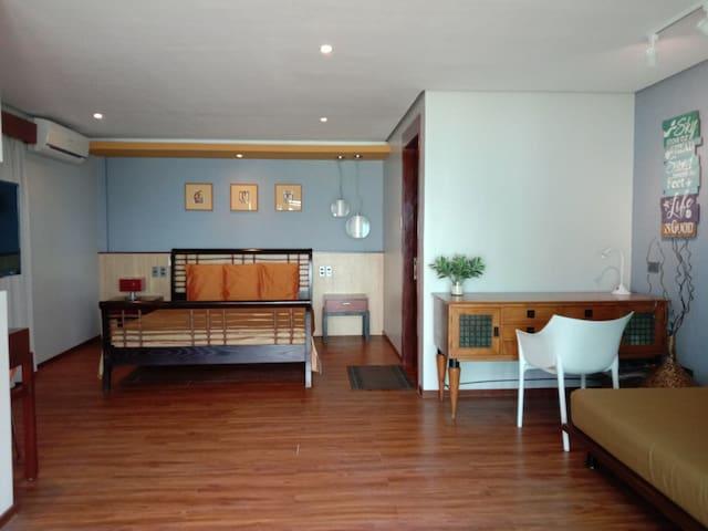 Boracay Beach Houses-Family room facing the beach