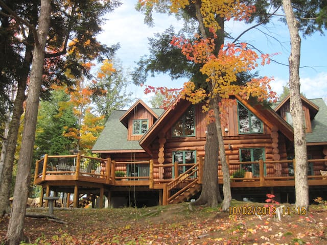 Log Home(URL HIDDEN)Algonquin Park-