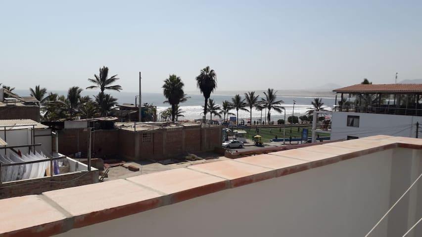 Departamento generoso con balcon y vista al mar 21