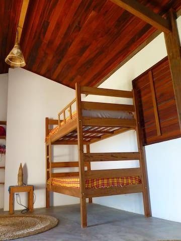 Kids' bedroom with 2*2 beds