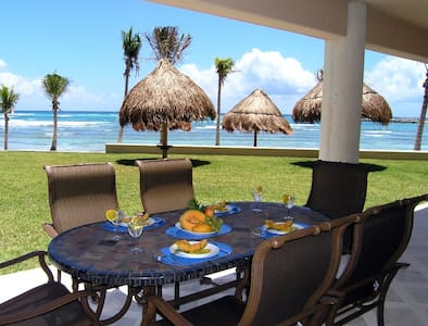 Beachfront ground floor views!!!!!