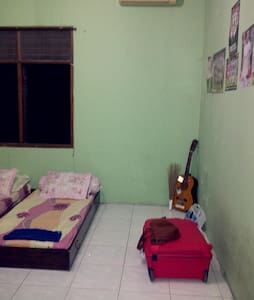 comfortable and cheap room - Semarang