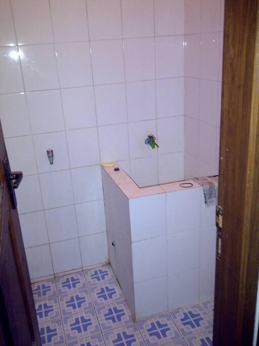 bathroom in upstair..