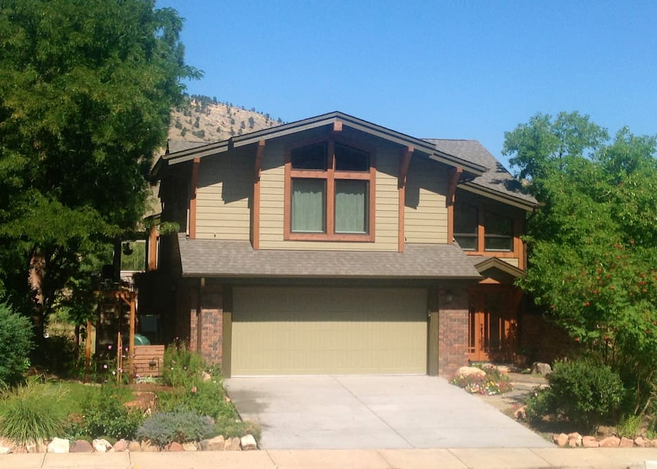 The Lake Home In North Boulder Houses For Rent In