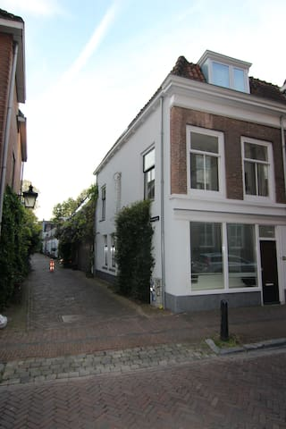 family house for expats in city centre Utrecht