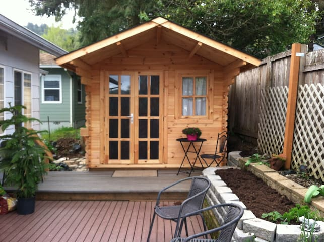 Tiny House - Roseburg - Stuga
