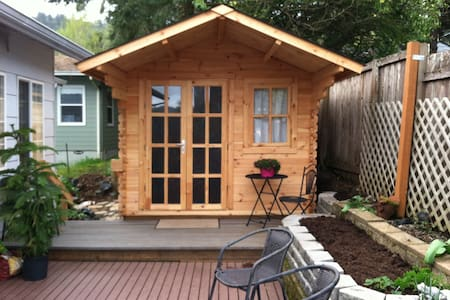Tiny House - Roseburg - Cabin