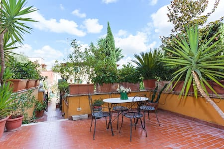 A wonderful apartment in Trastevere