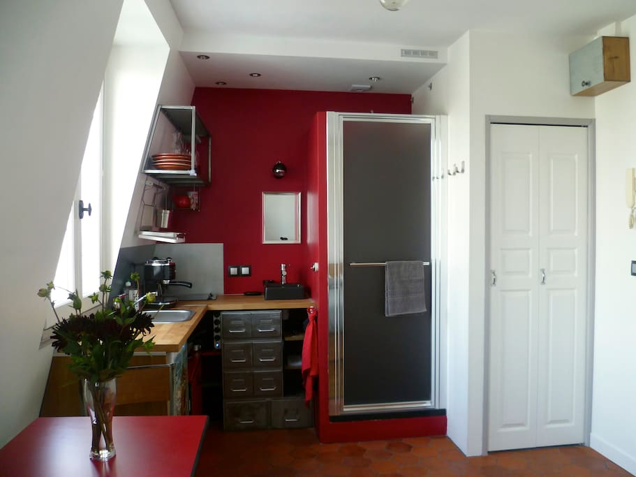 Le p 39 tit nid romantique du 10e appartements louer - Nid rouge lincroyable appartement paris ...