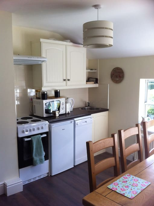 3 Bedroom Coach House Sleeps 8 - 12