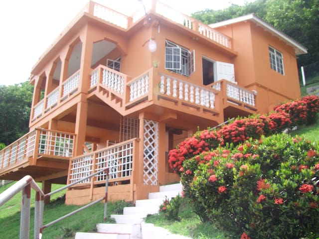 Miller's Ocean Villa- Bambareaux - Layou - Rumah