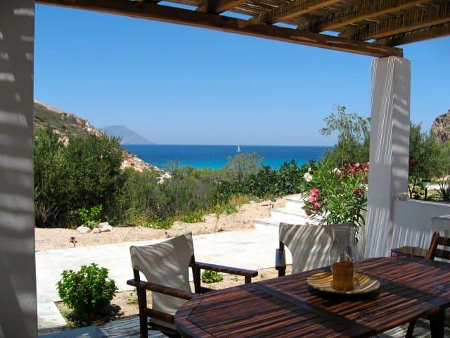 House 100 meters from Plathenia Beach Milos - Plaka - Ev