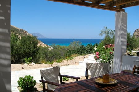 House 100 meters from Plathenia Beach Milos - Plaka