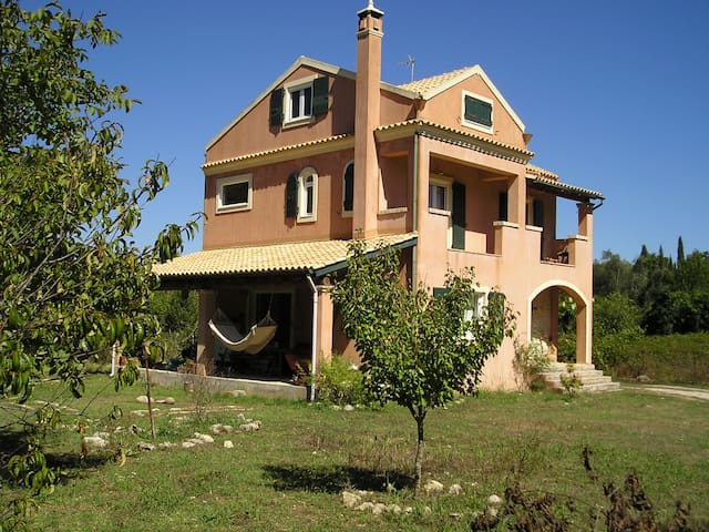 Beautiful Quiet Villa In The Countryside - Άγιος Προκόπιος - Villa