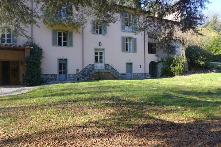 Byron Riverside Villa - for 8