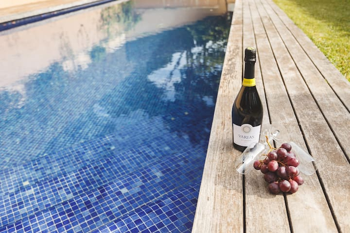 20 km Barcelona swimming pool - Cabrils - Haus