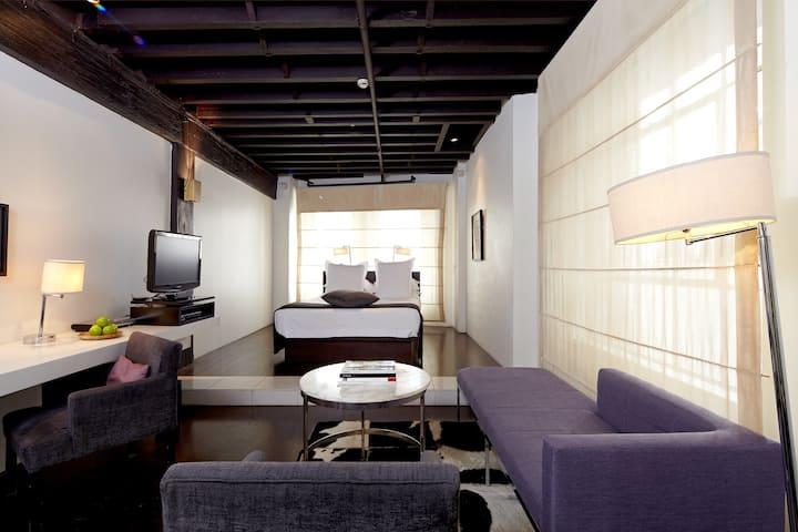 The Establishment Room – 50sqm individual style