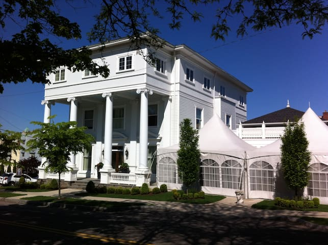 The Colonnade Boutique Hotel - Scranton - Bed & Breakfast