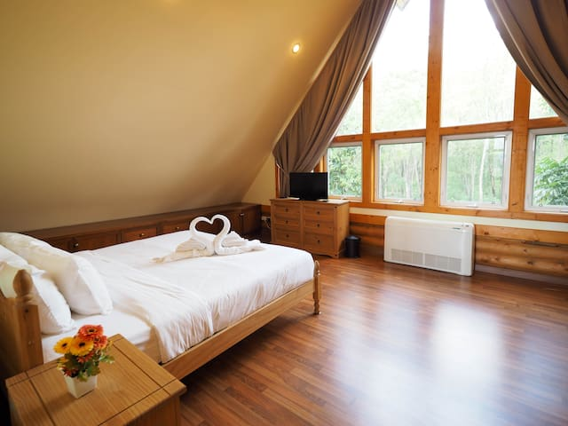 The Master Bedroom with Khaoyai view