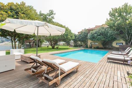 Splendid Portuguese Holiday House - Esposende - Huis