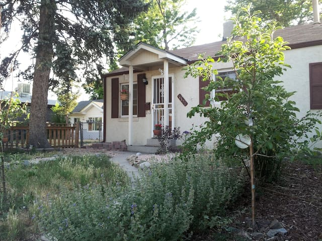 Cozy room 10 minutes from Downtown - Lakewood - Dom