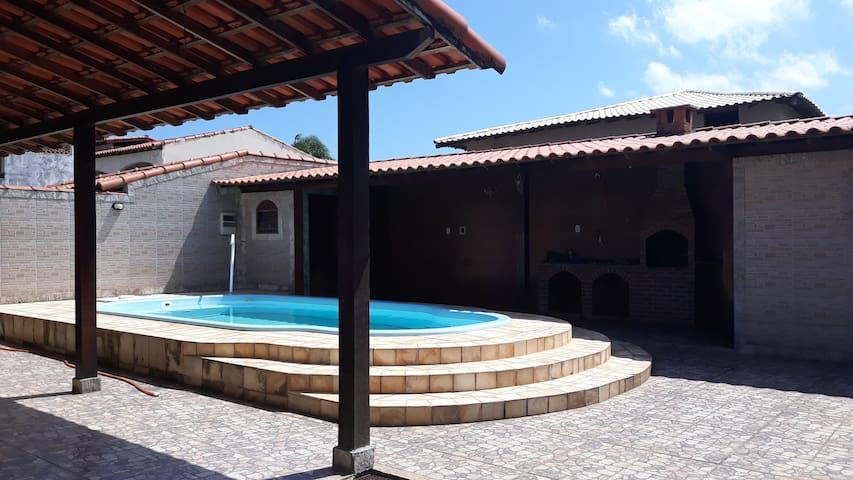Casa de Praia com Piscina em Jaconé