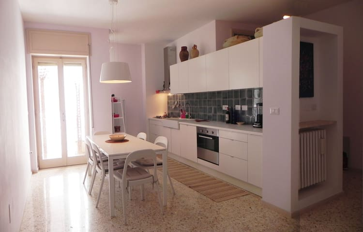 Lively Lecce, central modern flat  - Lecce - Apartemen