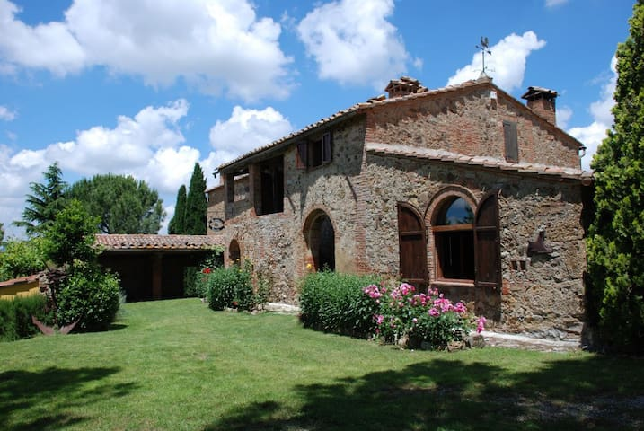 Ancient Country House in Tuscany - Montepulciano - Hus