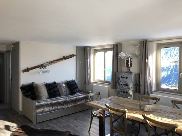 42 sqm apartment. 2/4 people. Courchevel 1850