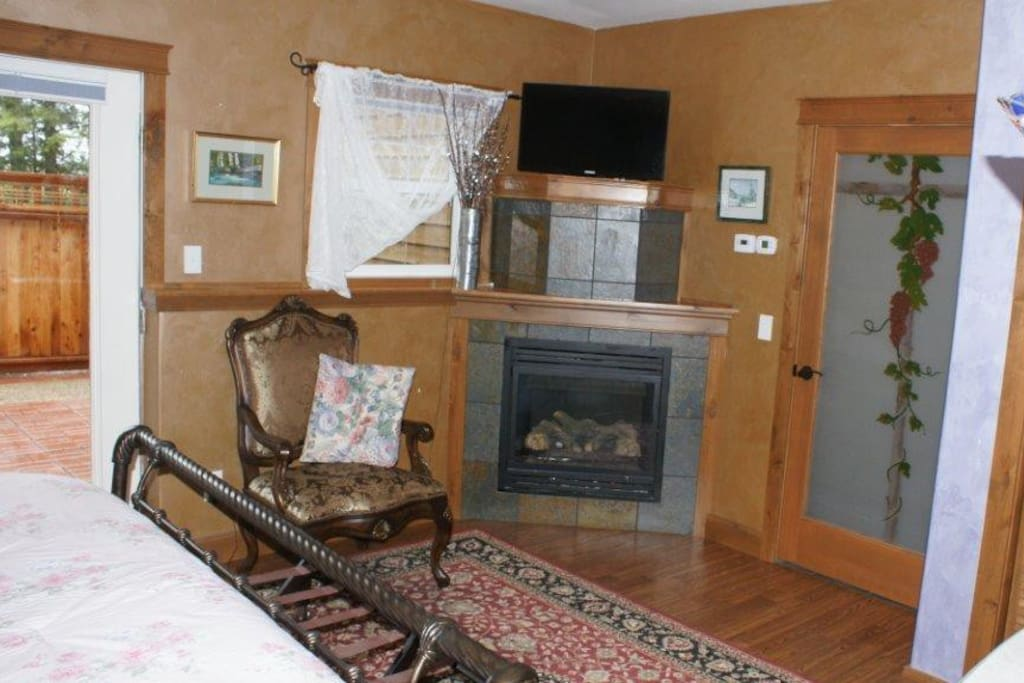 Bitter Root Suite fireplace
