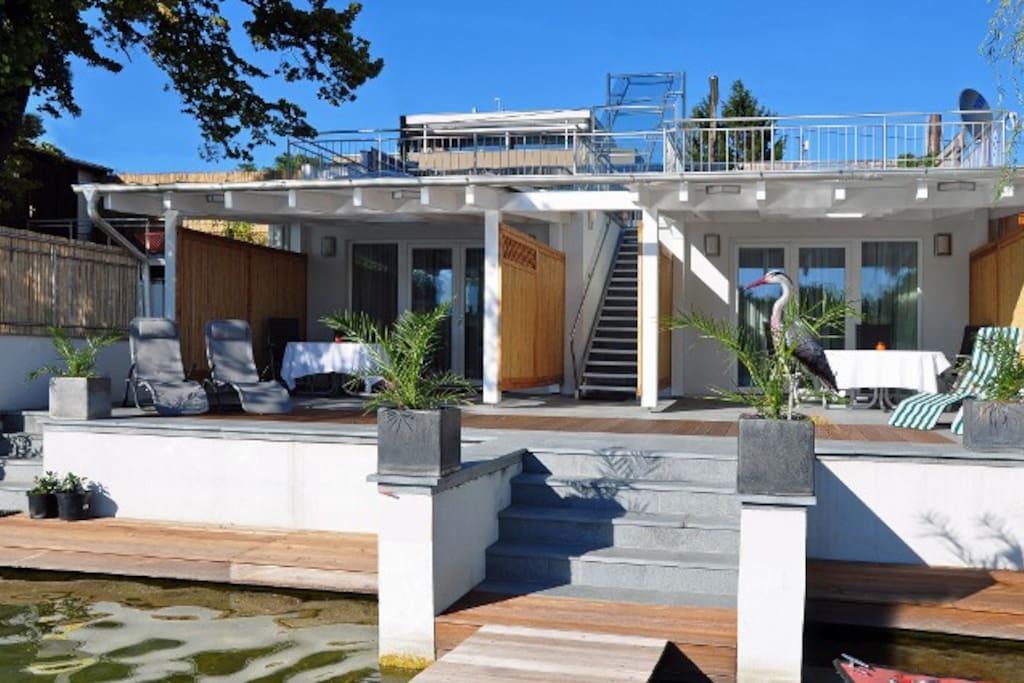Luxury beach apartment vba1 apartments for rent in for Designer apartment vienna