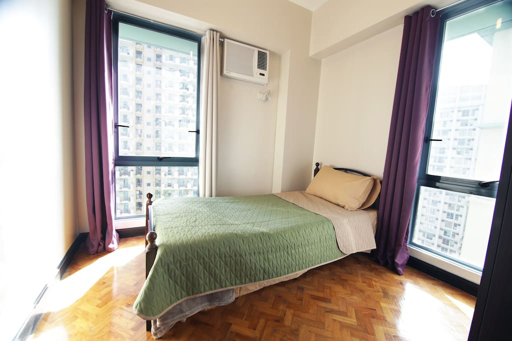 1 Single Bed in 2nd Bedroom