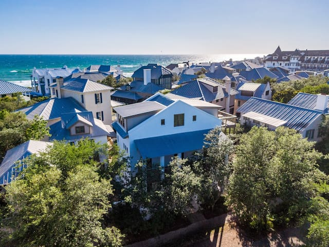 Rosemary Beach Gulfside Carriage House + Sleeps Four + Beach Bikes Included
