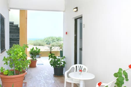 LUX STUDIO/2/ POOL 19KM WEST CHANIA - La Canea