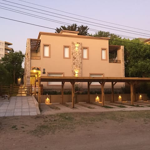 Alquilo duplex en Villa Gesell - Villa Gesell - Chalet