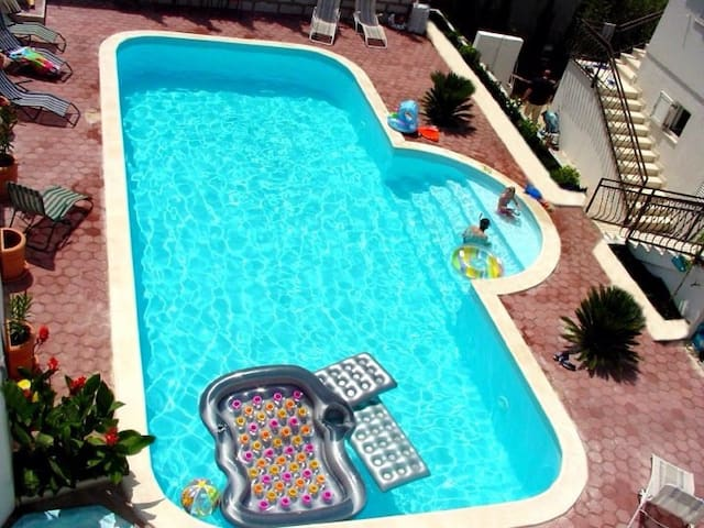 Apartment A4  for 2adults +1 kid - Seget Vranjica - Apartment